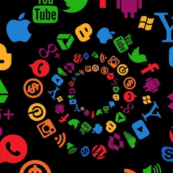 10 argumentos para deletar agora suas redes sociais!